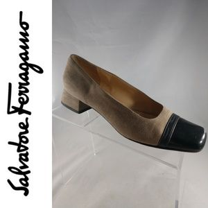 Salvatore Ferragamo Boutique Beige Suede Black